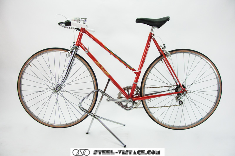 Milanetti Lady Vintage Bicycle Racer Campagnolo Nuovo